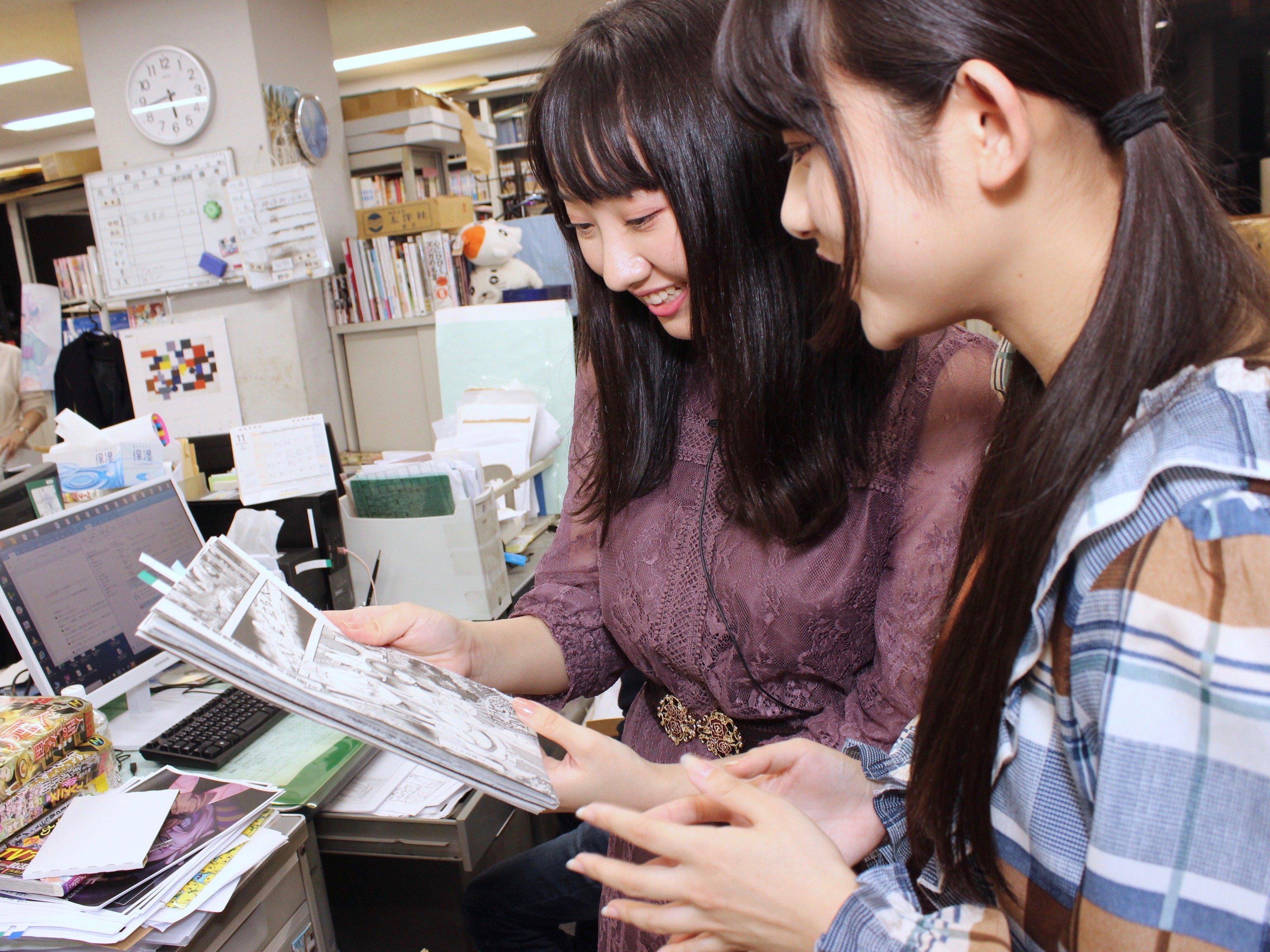A応P・堤雪菜&工藤ひなきが『つぐもも』編集部を訪問! BL漫画の生ネームに興奮!の画像001